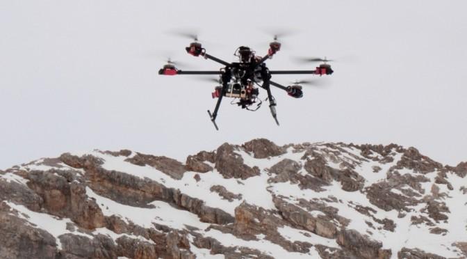 Hexakopter bei Filmdreharbeiten auf der Zugspitze