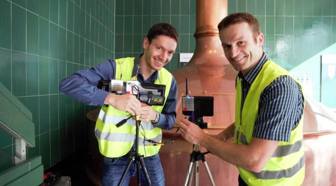 Thomas und Sven beim Filmeinsatz mit Oktokopter im Brauhaus Spaten in München