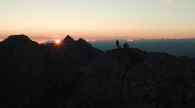 Sebastian bei Sonnenaufgang auf dem Medriolkopf