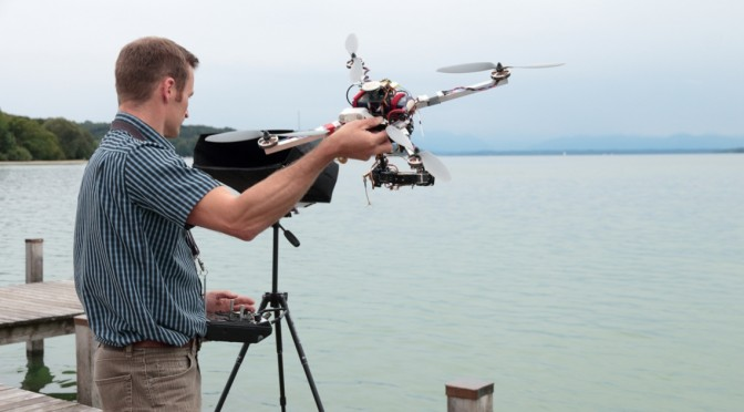 Quadrokopter im Einsatz bei der Suche nach gekentertem Segelboot im Starnberger See