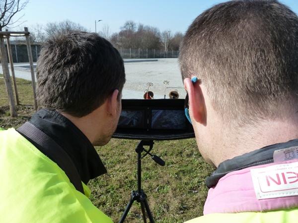 Sven Schmid und Thomas Markert steuern Kameradrohne