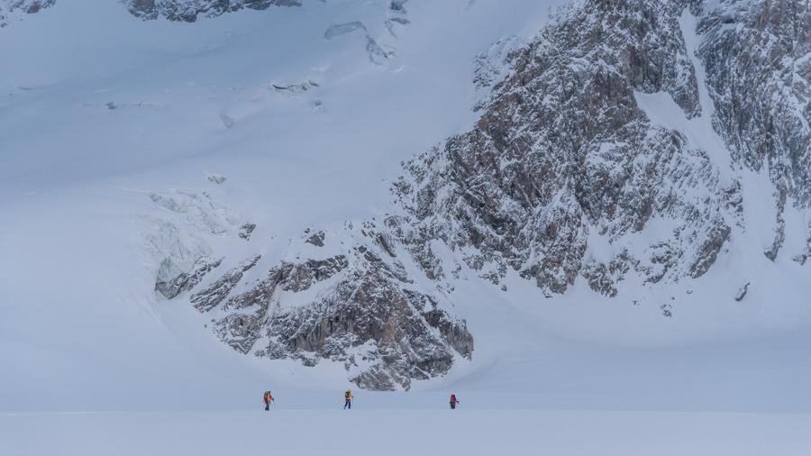 Filmszene Haute Route Perspektive aus der Luft