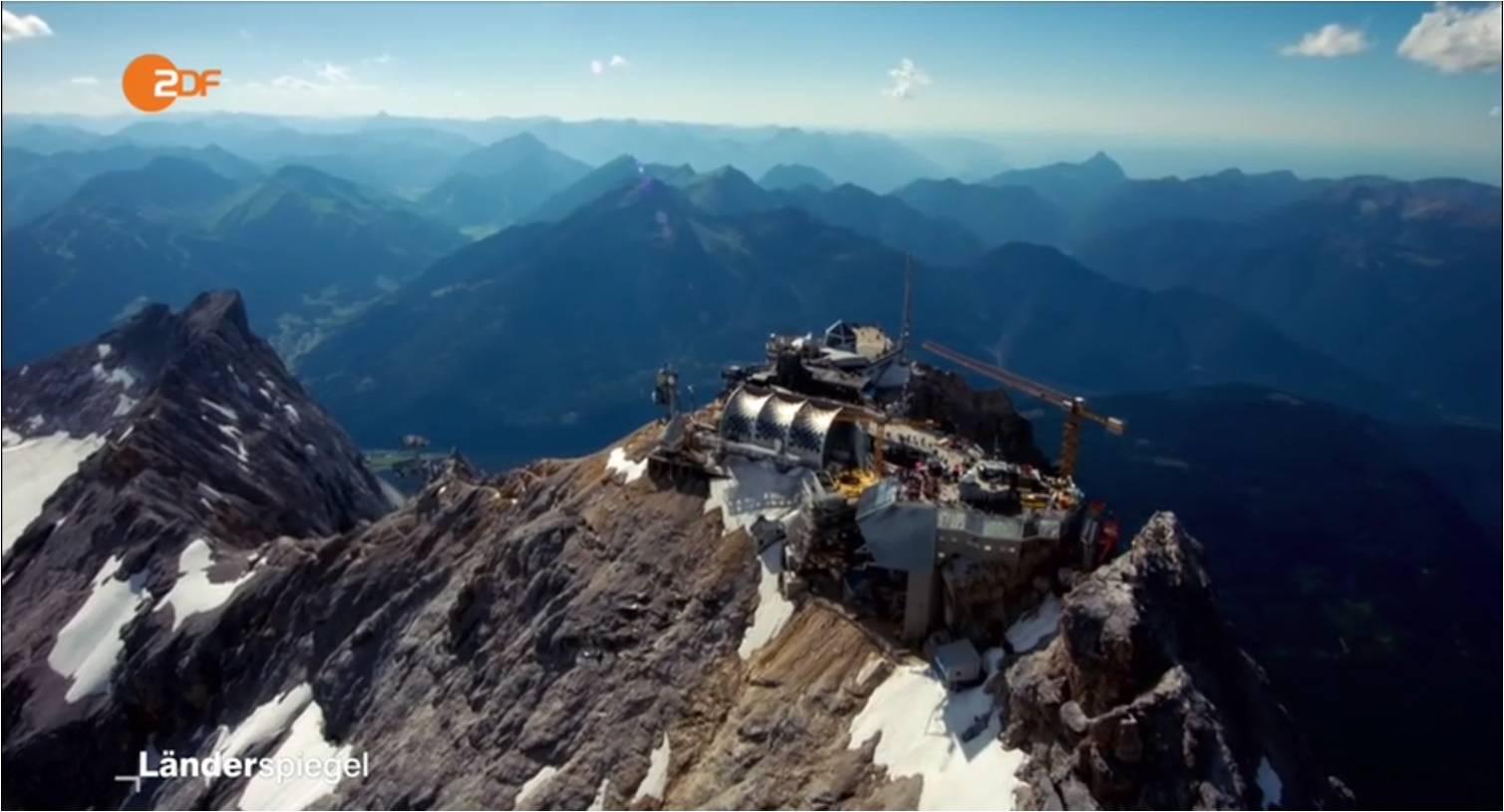 Aerovista erstellt Luftaufnahmen der Baustelle auf der Zugspitze für ZDF-Dokumentation