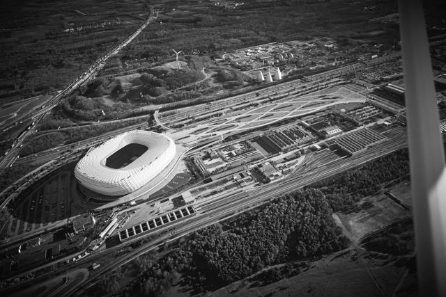 Hochauflösende professionelle Luftaufnahmen aus dem Flugzeug, München, Bayern