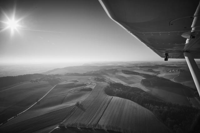 Luftaufnahmen aus dem Ultraleichtflugzeug aus großer Höhe, München, Südbayern, Franken